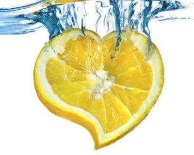 Acqua e limone, una bevanda di benessere