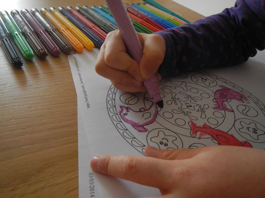 Mandala per bambini da stampare e colorare for Immagini di pesci da stampare