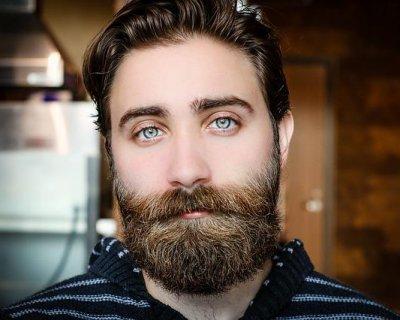 Trapianto di barba, l'ultima tendenza per lui