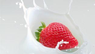 Dolci con le fragole come dessert golosi e colorati