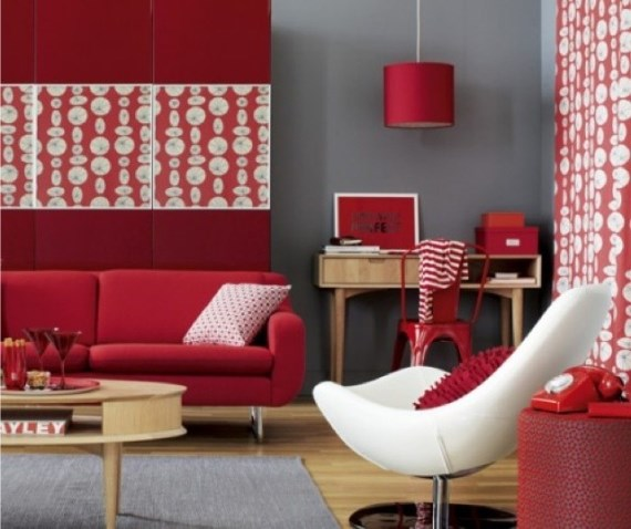 Regole per abbinare i colori delle pareti ai mobili for Grey n red living room