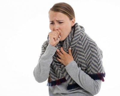 Via la tosse in gravidanza, con rimedi naturali