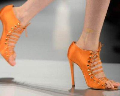 Scarpe arancioni per l'estate 2014 per uno stile unico