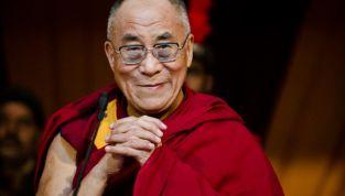 Dalai Lama a Livorno, l'evento parte tra le proteste