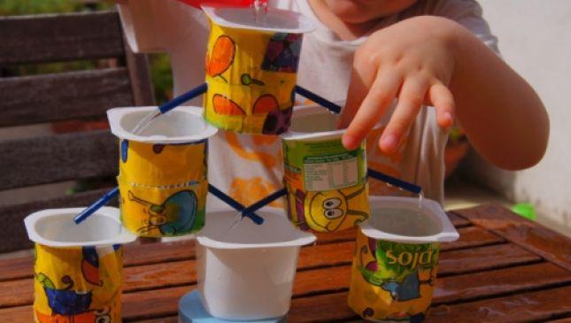 Idee per inventare giochi con l'acqua con materiali riciclati