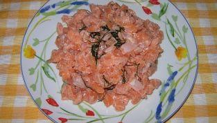Tartare di salmone, semplice e versatile