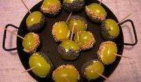 Finger food con uva e formaggio