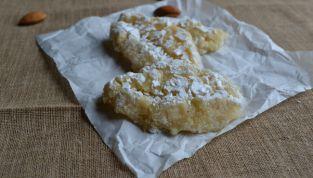Ricciarelli, i biscotti natalizi senesi alla mandorla