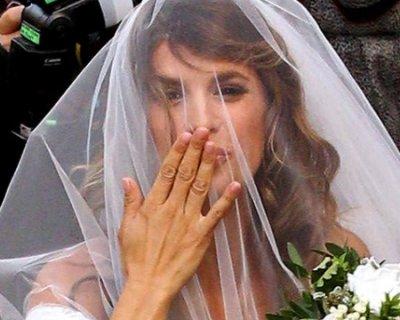 296bd9982b35 L abito da sposa di Elisabetta Canalis