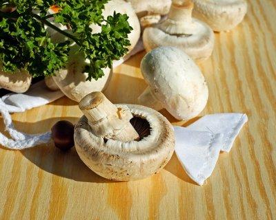 Come pulire i funghi, procedimento e consigli
