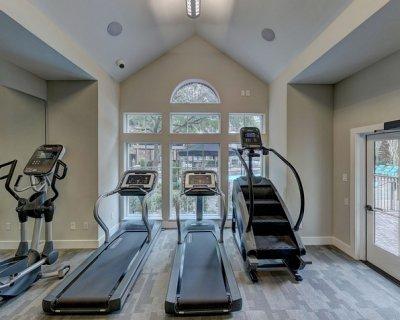 Palestra a casa per allenarsi con costanza - Strumenti palestra in casa ...