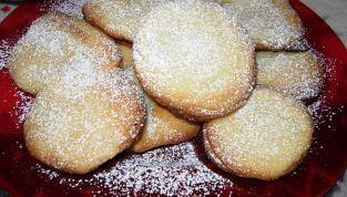 Biscotti come palle di neve, morbidi e profumati