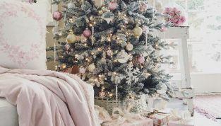 Decori natalizi shabby chic: idee per la casa