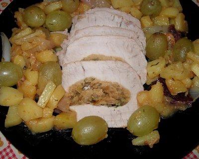 Ricetta del filetto di maiale ripieno con cipolle, patate e uva