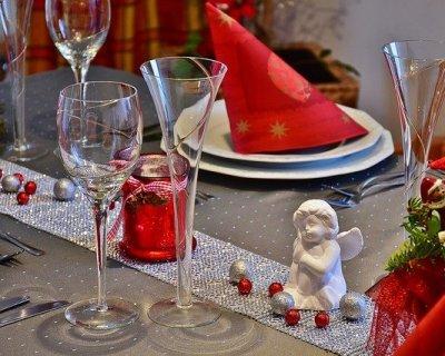 Cena per la vigilia di Natale: dalla tavola al menù