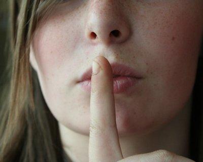 Ogni tanto impariamo a rimanere in silenzio