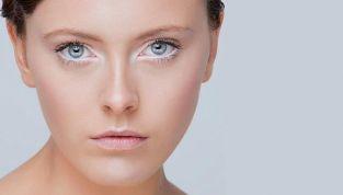 Come ottenere un trucco naturale con l'eyeliner bianco