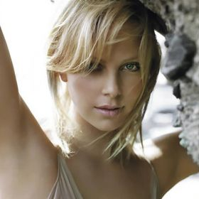 Charlize Theron - Foto 13